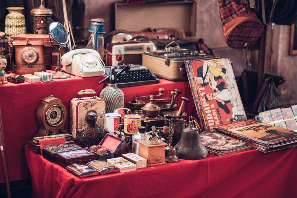 Dickson Avenue Antique Market